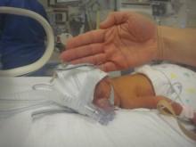 Baby Maisie in NICU (3)